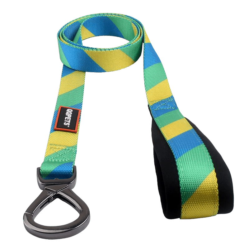 Custom leash with with raised stiched rubber logo and super strong metal accesory to attach to a dog collar.