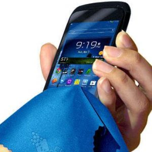 microfibre_cloth_to_clean_phone_th(1)