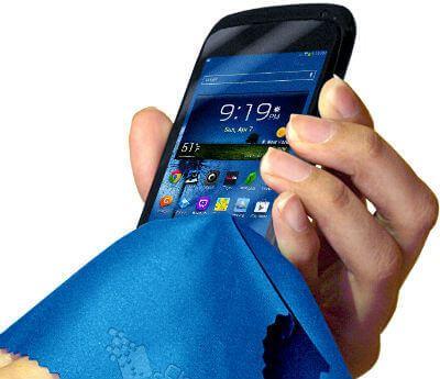 microfibre_cloth_to_clean_phone_th(1)